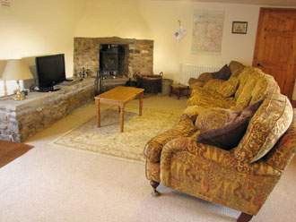 Huddlestone Cottage open plan living with 4kw Firewarm4 stove
